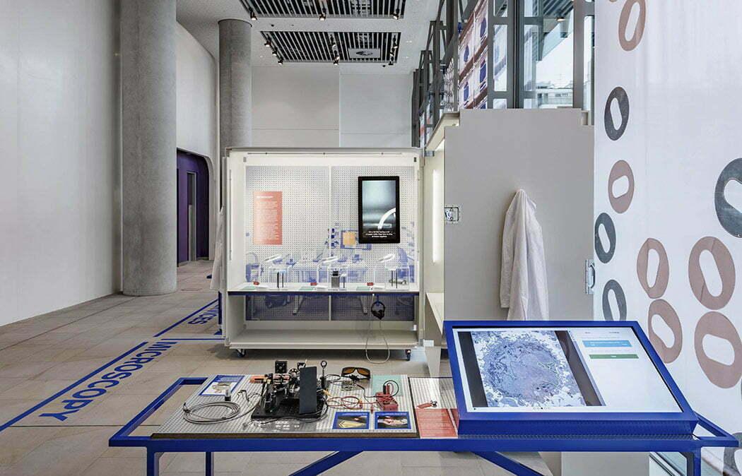 _07_lombaert_studio_francis_crick_exhibition_04